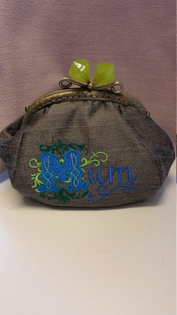 CP618.   Mum coin purse