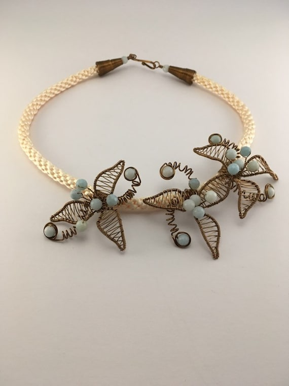Sale - 864 Wirework flowers necklace