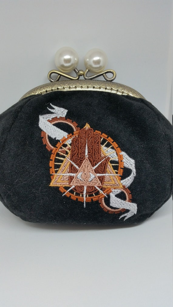 CP589.    Steampunk. Eye of Providence. design coin purse.