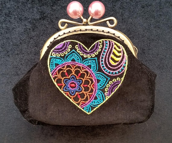 CP545.  Mehndi heart coin purse.