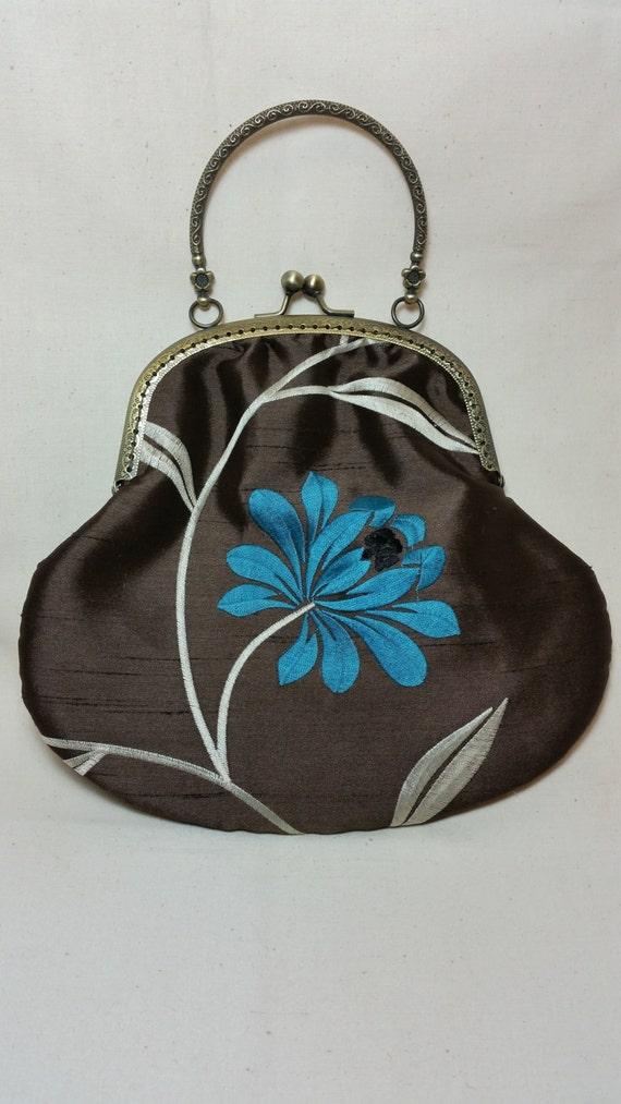 SALE..SALE..L138. Dainty handbag