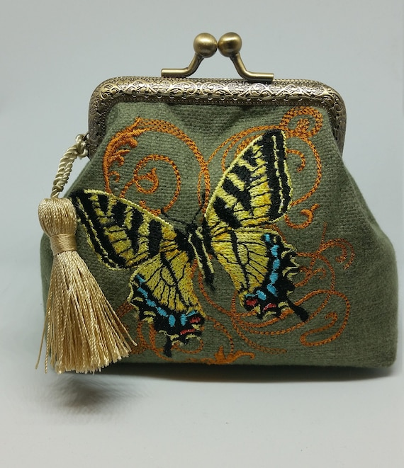 CP674.     Illuminated Butterfly purse