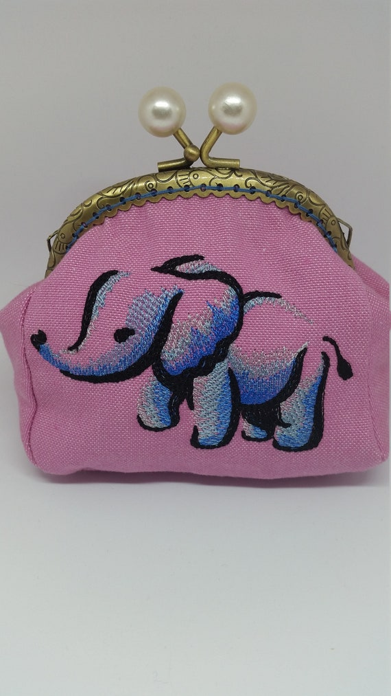 CP626.  The baby elephant design coin purse.