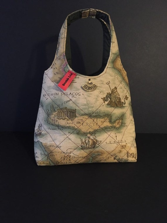 LB004 - Lunch bag featuring ancient map