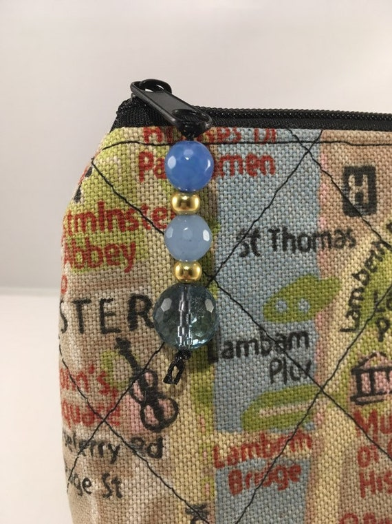 S - 898 London map small makeup bag