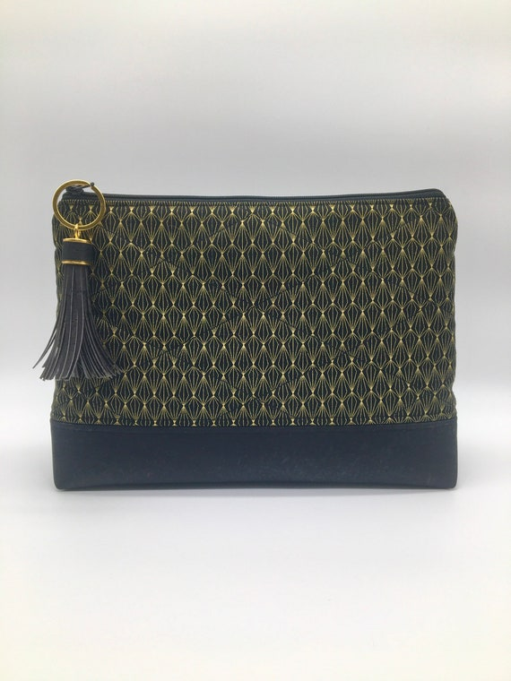 S - 128 Black and gold wash/cosmetics travel pouch