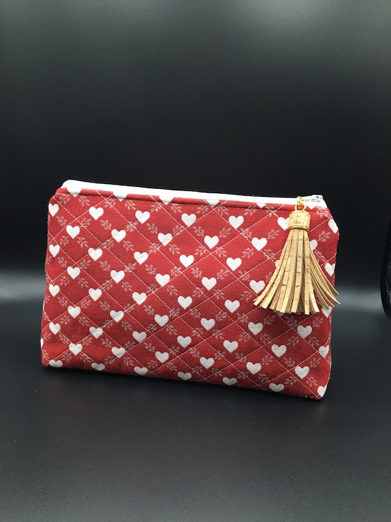 S - 034 Scandinavia wash bag in red with cork tassel