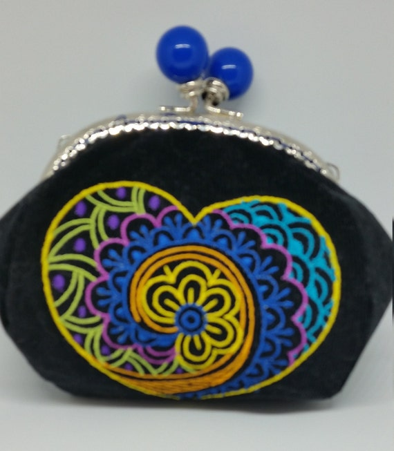 CP587.    Paisley heart design coin purse.