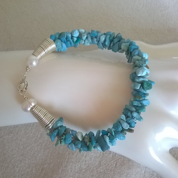 Sale - 383 Turquoise and pearls bracelet