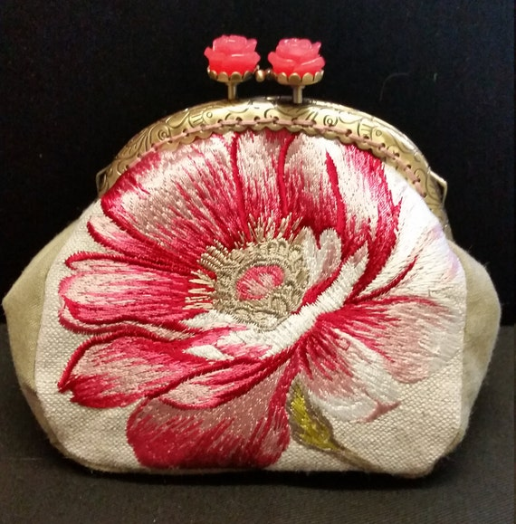 CP563. Pink flower coin purse.