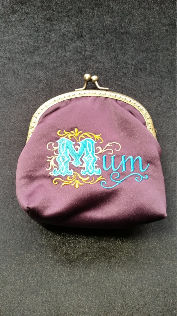 L340.  Large coin purse for Mum