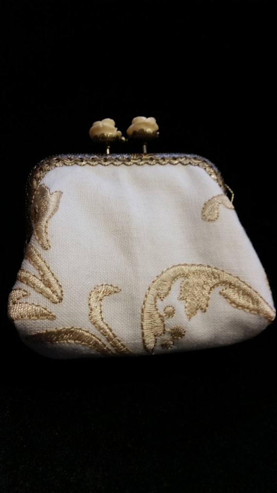 CP520. Small coin purse.