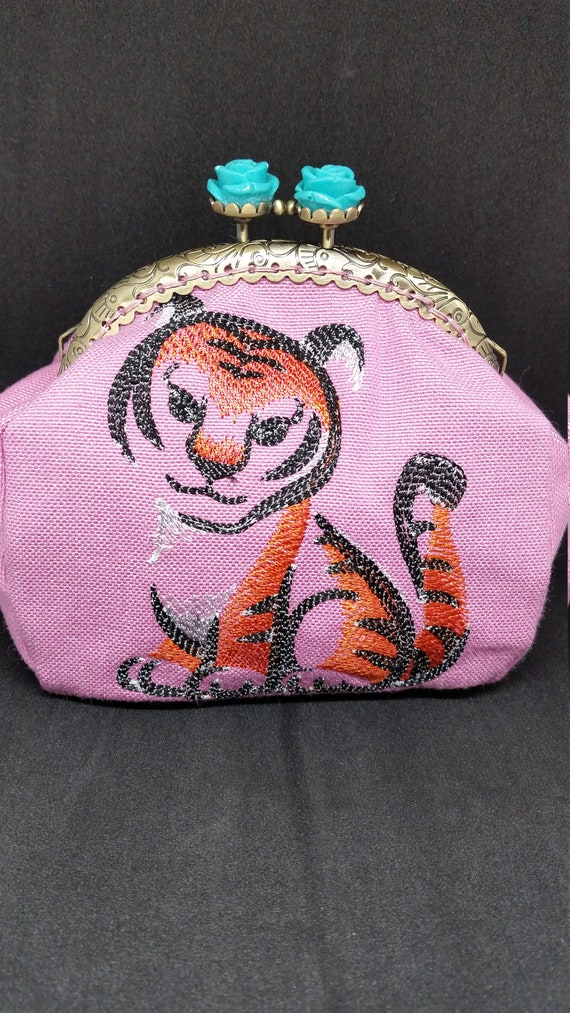 CP641.  The tiger cub design coin purse.