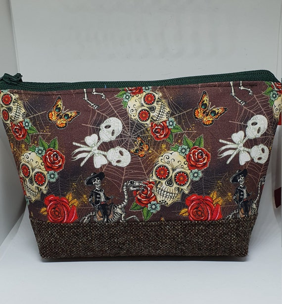B764.        Day of the Dead wash bag