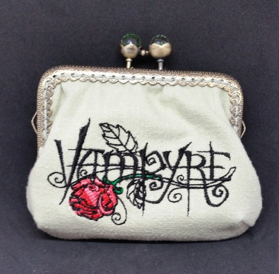CP614.    The Vampyre coin purse.