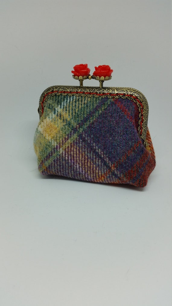 CP595. Small tartan coin purse.
