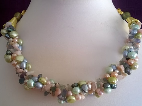 Sale -  Pearl necklace in stunning spring colours