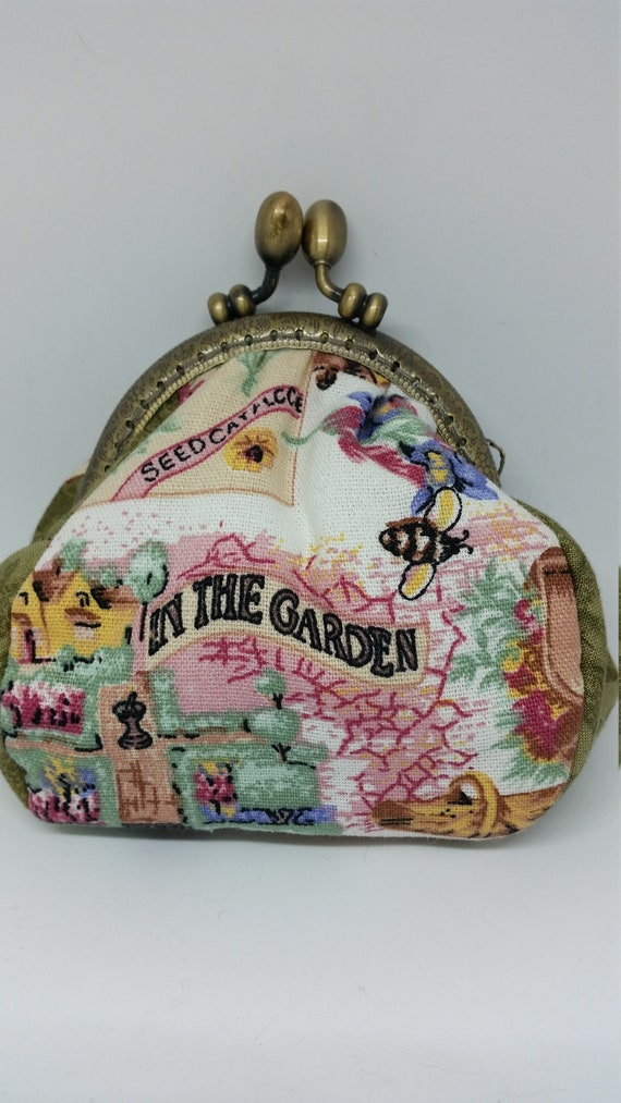 CO018.  In the garden coin purse