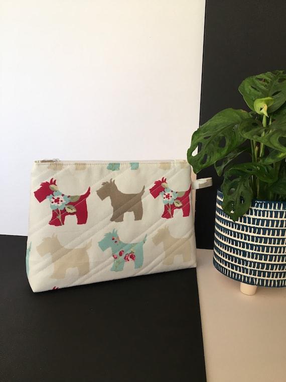 S - 119 Scottie dog wash bag. White background and showerproof lining