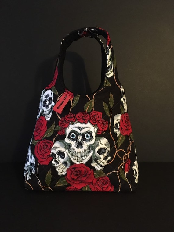 S - 760 Lunch bag featuring sugar skulls
