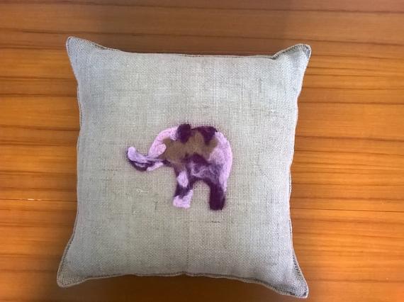 S - 396 Hessian elephant cushion