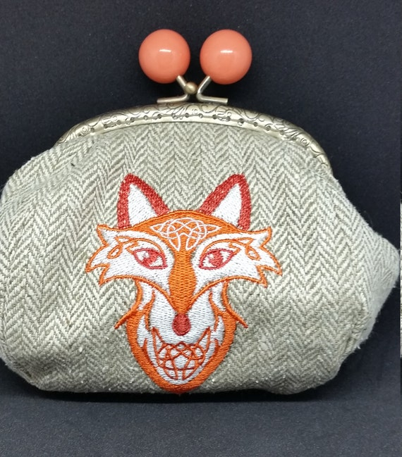 CP585.     Celtic fox on tweed coin purse.