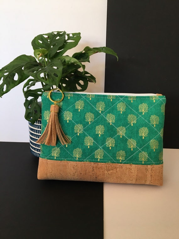 S - 120 Tree of life toiletries/cosmetics bag in green and gold