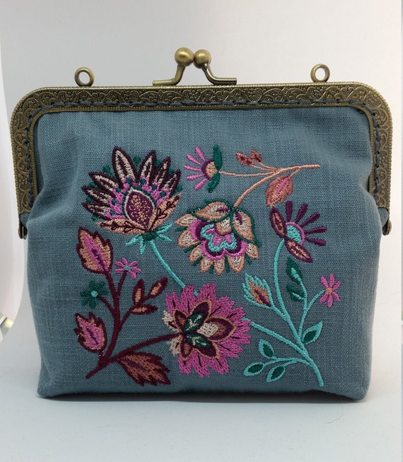 CP694.  Soft and sophisticated Jacobean square  design purse