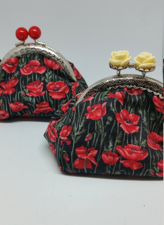 CP676.The Poppy purse.