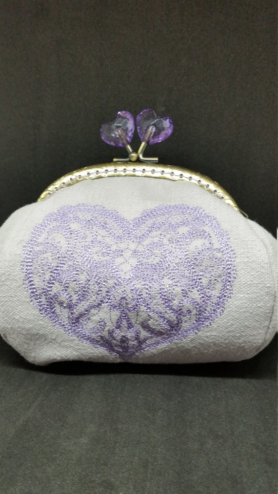 CP636.   The lilac valentine heart large coin purse.