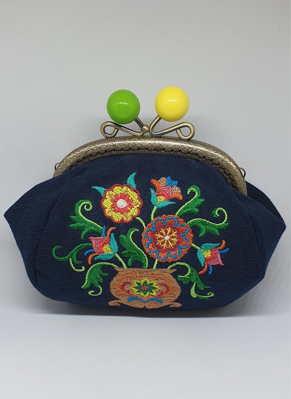CP703.     The sweet suzani bouquet design large coin purse.
