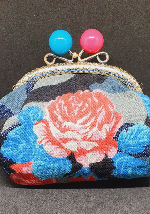 CP711.        The large denim rose purse
