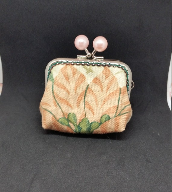 CP610      Apricot flower small coin purse.