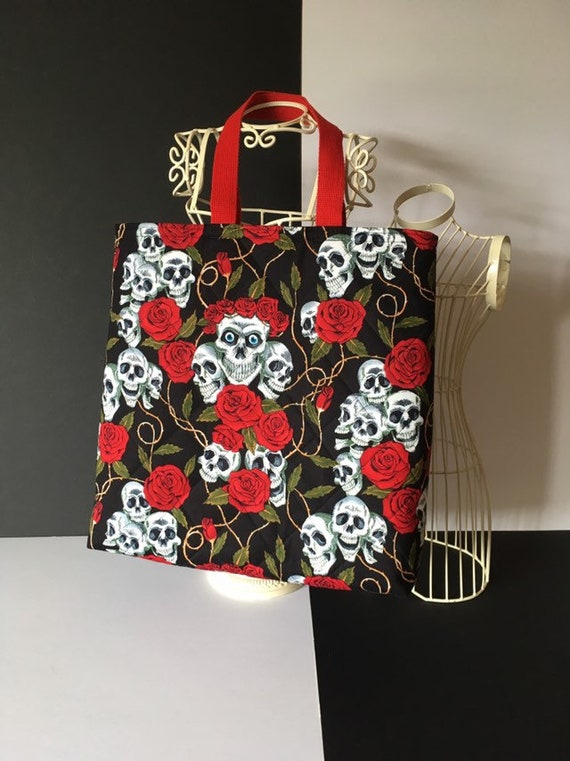 SB011 - Skulls and roses tote bag