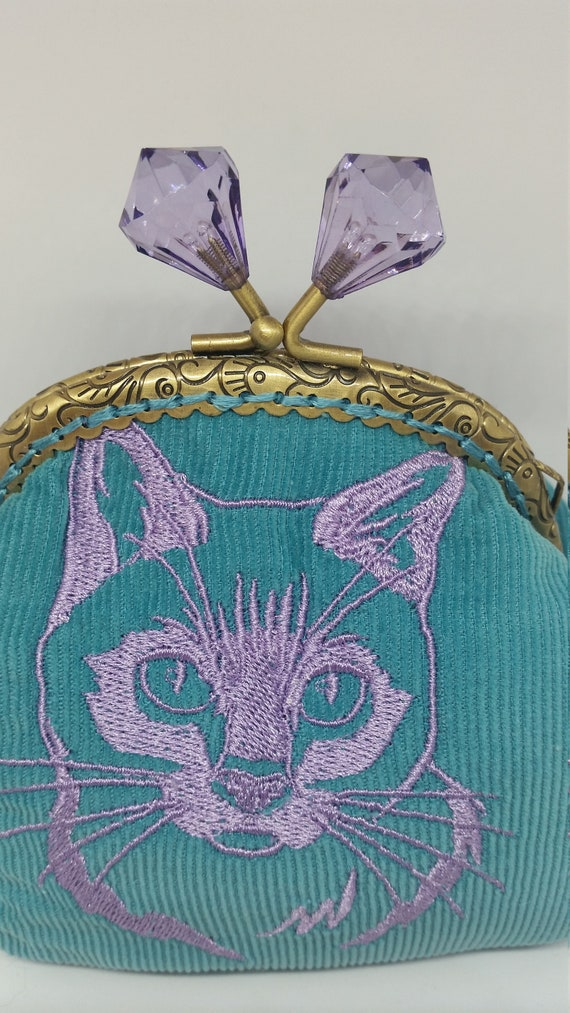 CP628.  The cat lovers coin purse.