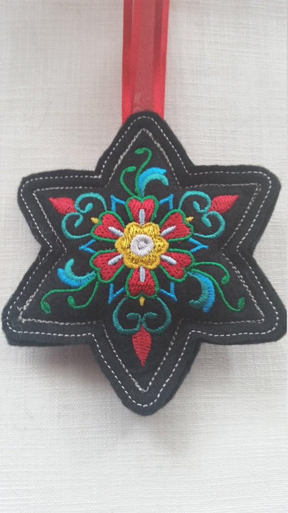 X015.      Black Star shape Felt Christmas tree ornament