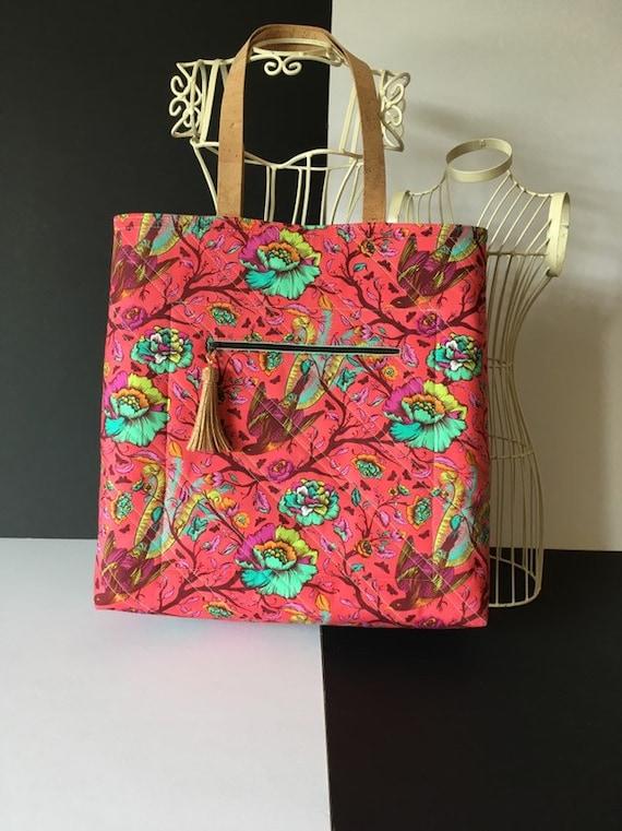 SB014 - Stunning tote bag, featuring Tula Pink cotton fabric .