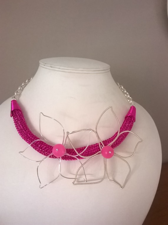 SALE - S - 251 Statement choker, wirework necklace