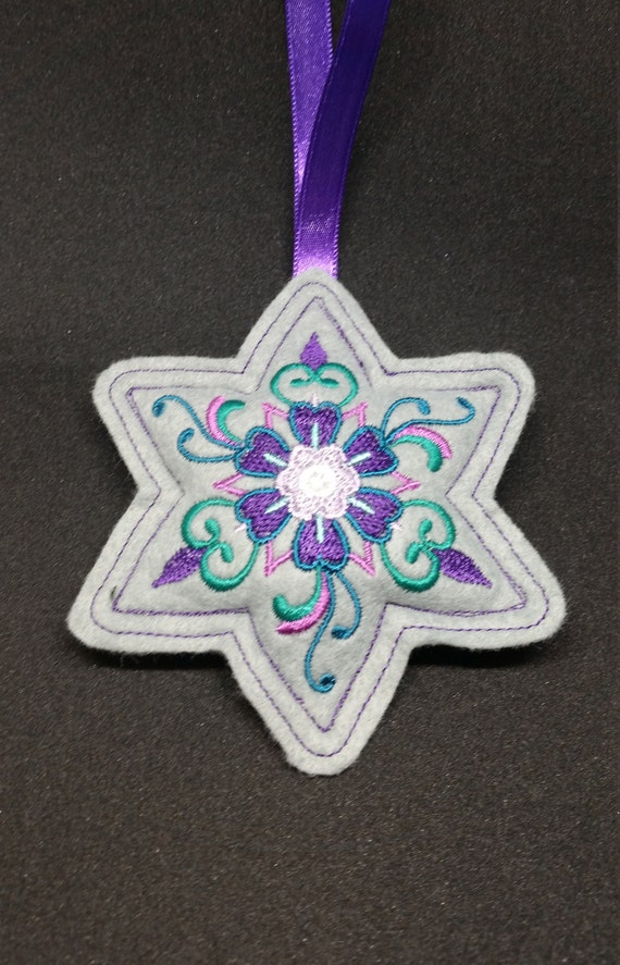 X025.      Grey Star shape Felt Christmas tree ornament