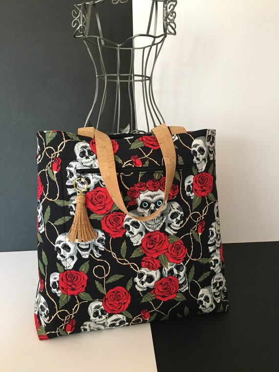 SB0023 Tote bag, featuring the stunning sugar skull design. With front, zipped pocket. Cork handles and tassel