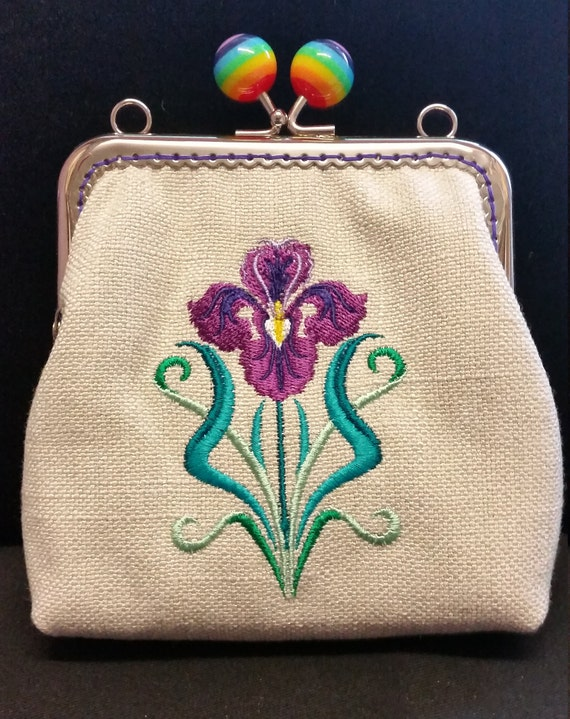 CP556. Coin purse with Art deco iris design.