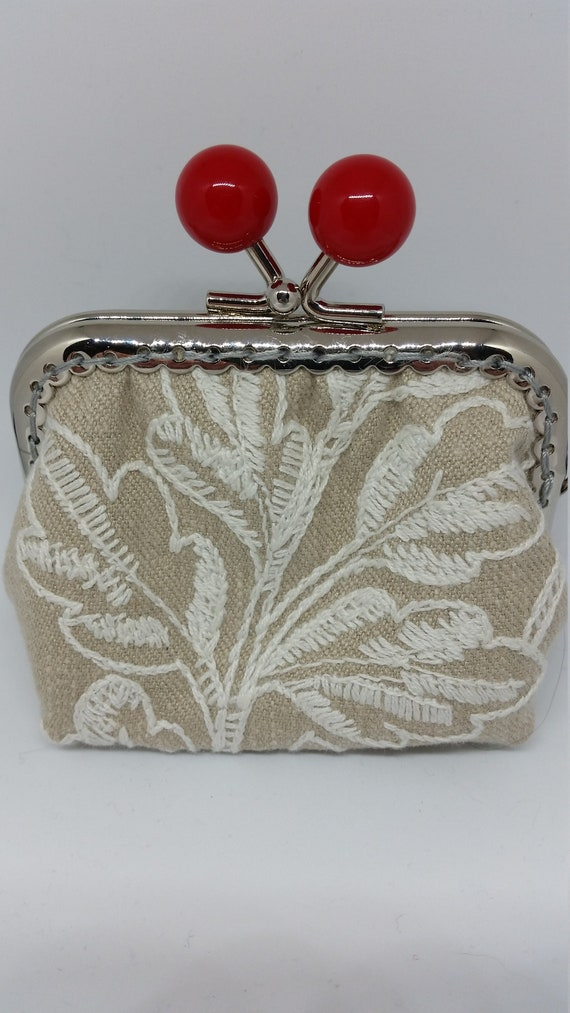 CP596. Small embroidered coin purse.