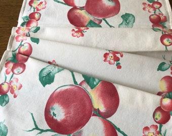 1940's Vintage Linen~Kitchen TOWEL~Red Apples & Floral w/Jadeite Leaves~Great Colors~Early Textile~Farmhouse Cottage~EUC~Cotton