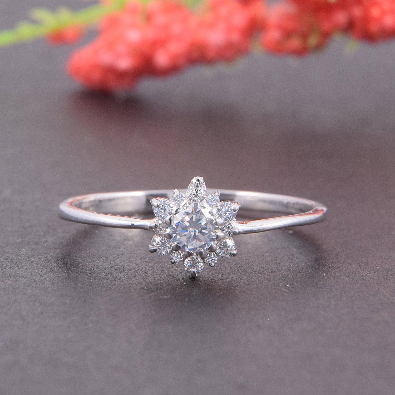 Snowflake Sterling Silver 925 adjustable resizable women/'s ring inlaid with Cubic Zirconia \u2022 Birthday gift Girlfriend \u2022 Minimalist