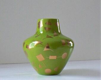 Jonathan Adler Santorini Artemis Vase, Jonathan Adler Mid Century Modern Vase, Fine Arts Ceramics, Gold and Green Vase