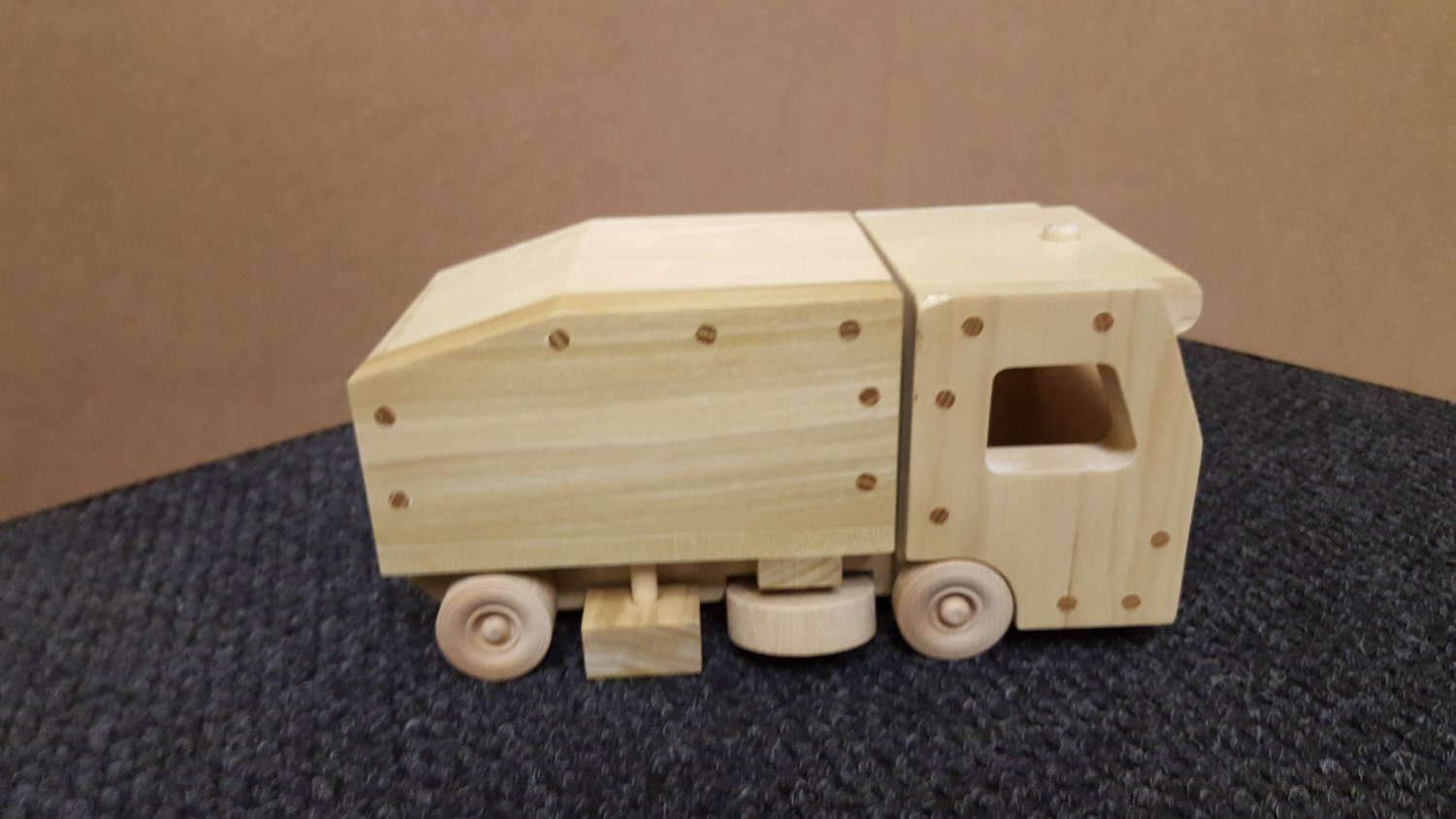 wood toy plan - street sweeper