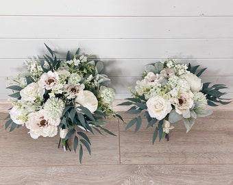 Wedding bouquet, Sage green bouquet,Bridesmaids bouquet, White Bridal Bouquet, White Peony Bouquet, Eucalyptus wedding bouquet, Silk Bouquet
