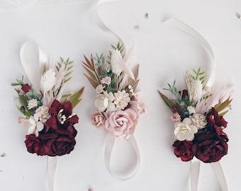 Flower wrist corsage, Burgundy wrist corsage, Pampas grass corsage, Wedding corsage, Burgundy Blush Bridesmaids wrist corsage