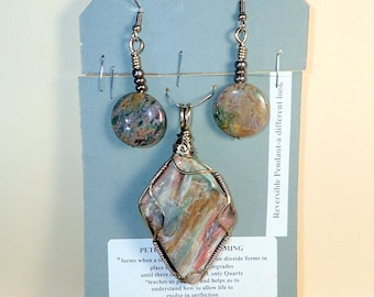 Wyoming Green Petrified Wood Reversible Pendant with earrings (Stone of Transformation) # 3274