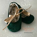 Velvet Baby Girl Shoes - Baby Booties - Baby's 1st Christmas - Green and Gold - Velvet Christmas Outfit - Green Baby Moccs - Baby Girl Gift